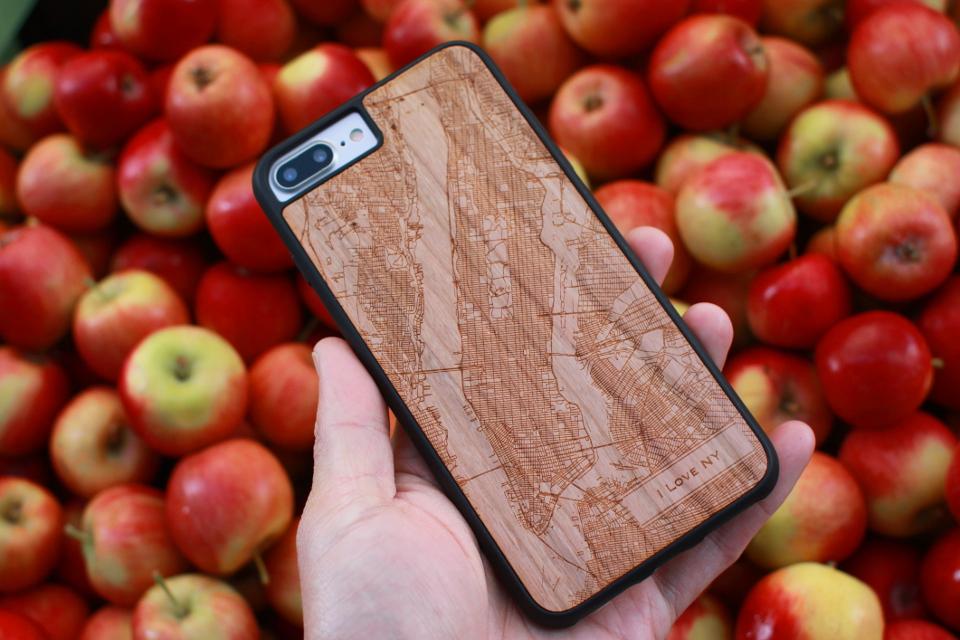 Map Cases - NYC - Traveler iPhone 7 Plus Cherry